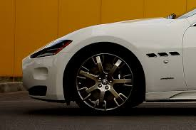 maserati trident logo maserati uk introduces new sport pack for granturismo s automatic