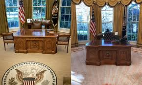 Oval Office Desk See The Changes Donald Made To The Oval Office Aol Lifestyle