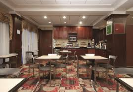 Breakfast At Comfort Suites Hotel Comfort Suites Avenel Nj Booking Com