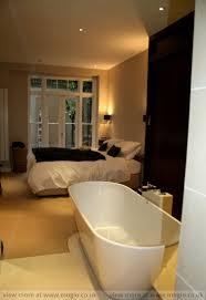 en suite bathroom has very private character