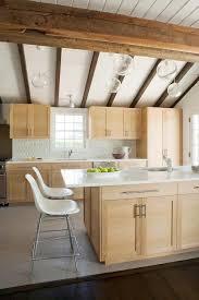 Light Wood Kitchen Cabinets Best 25 Maple Kitchen Cabinets Ideas On Pinterest Craftsman