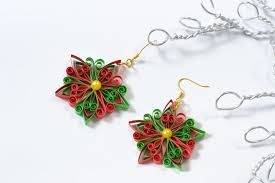 how to make a pair of and green quilled paper earrings