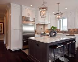 bungalow kitchen ideas 79 best bungalow interiors images on bungalow