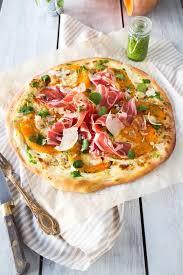 cuisiner le cresson pizza courge jambon de parme pesto de cresson cresson pizza