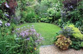 small garden design ideas quiet corner