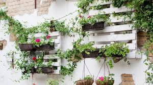 pallet gardening 2 great layouts for your garden