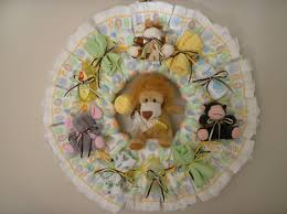 homemade baby shower favors diaper wreath zoo animal diaper