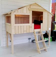 chambre cabane enfant lit cabane enfant simple couchage