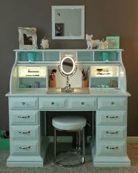 Vanity Makeup Desk With Mirror Best 25 Mirror Desk Ideas On Pinterest Mirrored Vanity Desk