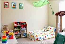 sol chambre bébé astuces créer une chambre montessori à enfant oummi materne
