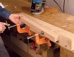 Fine Woodworking Dewalt Router Review by Dewalt Heavy Duty Plunge Router Dw625 Finewoodworking