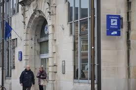 bureau banque postale un bureau de poste pas comme les autres l hebdo du vendredi