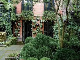 City Backyard Julianne Moore U0027s Verdant New York City Garden Architectural Digest