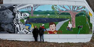 l a c y h a l e lacy hale and artist pam meade who assisted her on this project at the mural unveiling in 2016
