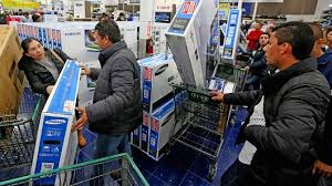 black friday thanksgiving day foot traffic falls shoppertrak