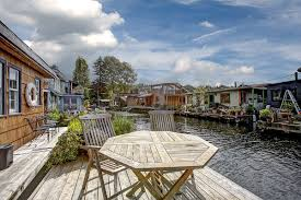 seattle houseboats real estate market welcome to summer 2014