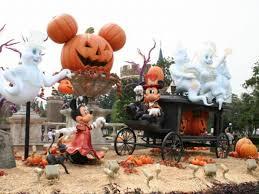 disney halloween decor halloween decorated homes pirate halloween