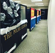 Decorating Ideas For Office At Work Best 25 Christmas Cubicle Decorations Ideas On Pinterest Office