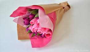 tissue wrapping paper how to wrap a flower bouquet the things she makes