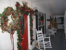 Holiday Decorated Homes by Screened Front Porches Porch Ideas And On Pinterest Idolza