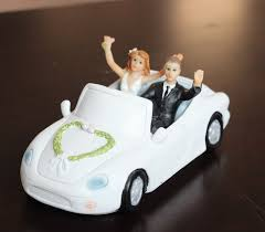 car wedding cake toppers cool wedding cake toppers engagement party and groom in the