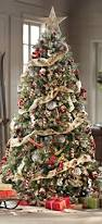How To Decorate A Christmas Tree With Ribbon Garland 30 Beautiful Christmas Tree Garland Decoration Ideas Christmas