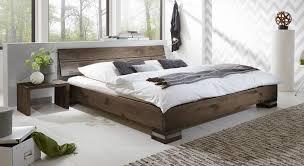 Schlafzimmer Bett Bilder Massivholzbett Und Kopfteil In Rustikaler Eiche Curada