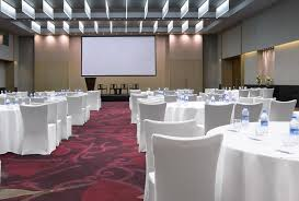 list of top 10 conference halls in mumbai