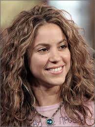 what color is shakira s hair 2015 guess what shakira s natural hair color is lipstick alley