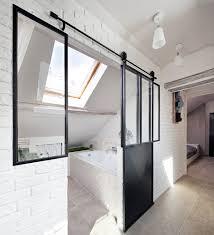 salle de bain dans chambre sous comble habiter sous les toits contemporain salle de bain