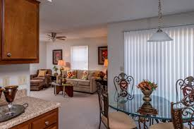 1 Bedroom Apartments Lexington Ky Royal Lexington Apartments Pleasant Green Ky Limestone Square