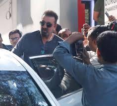 bureau d ude automobile sadak 2 sanjay dutt alia bhatt spotted outside mahesh bhatt s