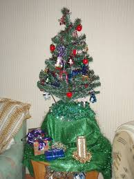 100 little christmas tree decorating ideas my primitive