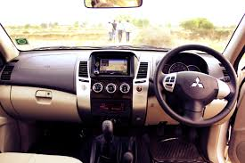 2013 mitsubishi outlander interior file mitsubishi pajero sport in agra by soulsteer april 2013 jpg