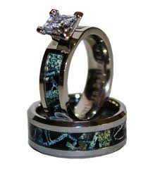 his and camo wedding rings black camo on silver band couples ring set with camo