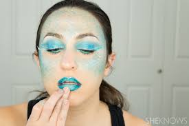 How To Apply Halloween Makeup by How To Totally Master Instagram U0027s Halloween Mermaid Makeup Page 3