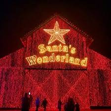 christmas lights in college station texas here are the top 10 christmas towns in texas they re magical