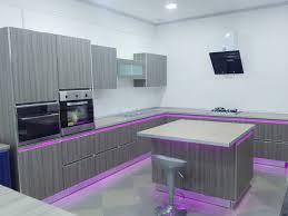 cuisine moderne avec ilot cuisine moderne avec îlot central egger tlemcen cuisine