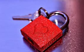 wallpaper love heart lock key 4k love 8972