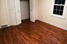 schultz finished wood floors in the guest room