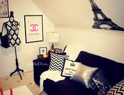 chanel themed bedroom to know where i bough my decorations