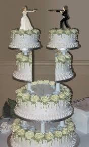 blood murder and black icing u2013 divorce cakes kick wedding cake