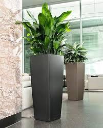 vasi in plastica da esterno vaso esterno design avec kube tower khilia dal moderno da e