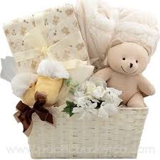 High End Gift Baskets Best 25 Gift Baskets Canada Ideas Only On Pinterest Fundraiser