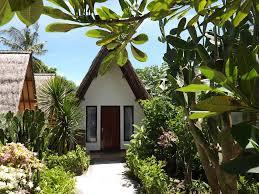 ocean 2 restaurant and bungalow gili trawangan indonesia