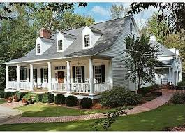 charming cape cod style home love that front porch homeexterior