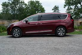 2017 chrysler pacifica hybrid review autoguide com news