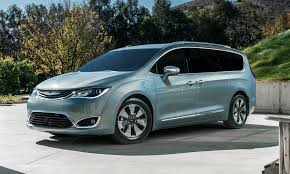 chrysler minivan 2017 chrysler pacifica hybrid first look autonxt