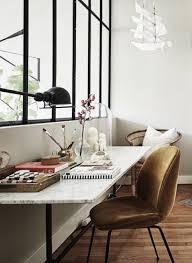 lumiere bureau ce coin bureau fait le plein de lumière grâce à la verrière d