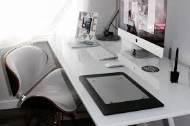 What Does Your Desk Say About You Clean Vs Chaos What Does Your Desk Say About You Maeve U0027s Method